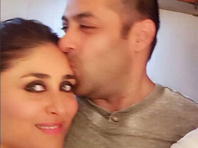 Salman Khan Kissing Kareena Kapoor