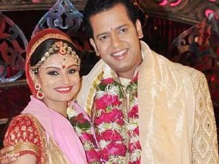 dimpy mahajan engaged