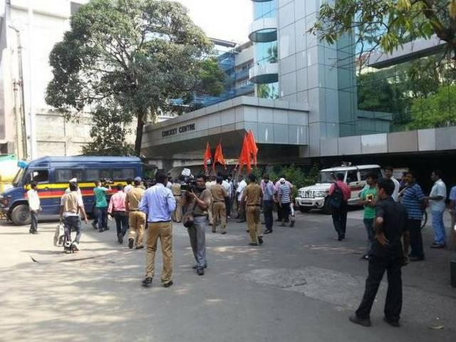 Shiv Sena Protest against Pakistan at BCCI office