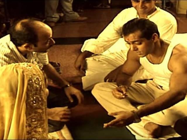 Salman Khan Sooraj Barjatya share an 'eternal bond' of 25 years