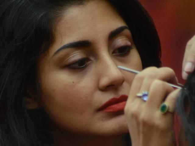 RIMI SEN IS TURNING INTO THE REAL ENTERTAINER OF BIGG BOSS 9!