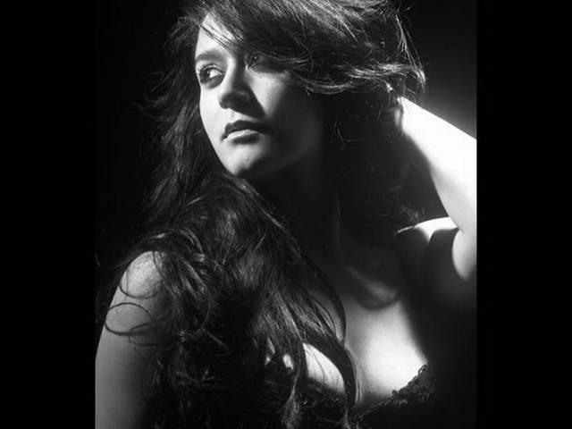krishna shroff shares photoshoot pic on instagram