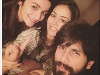 Selfie Of The Day: Shahid Kapoor, Alia Bhatt, Mira Kapoor