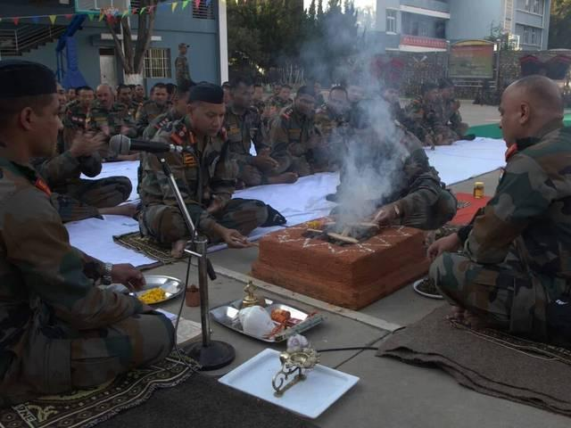 Indian army performed 'shastra Puja' in China