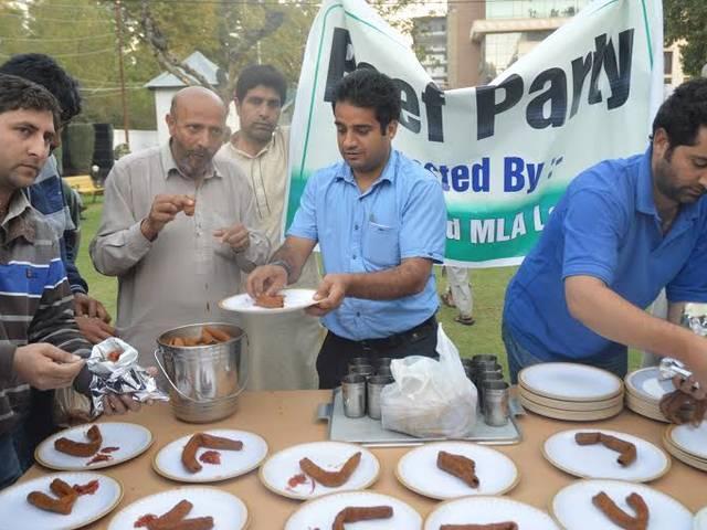 Eat beef, but don't hurt sentiments of others: Kalraj Mishra