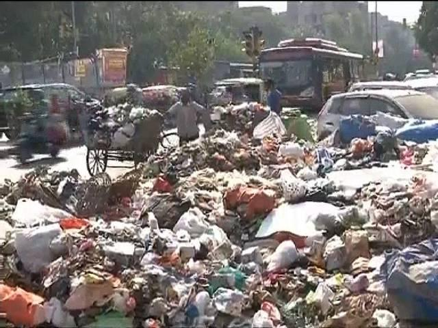 who is responsible for delhi dirty condition