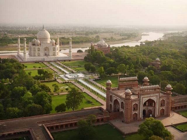 Mark Zukerberg_Tajmahal_visit_INDIA