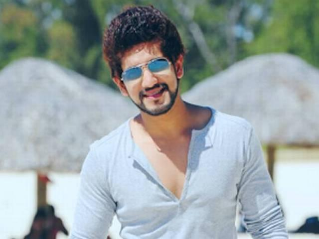kishwer's boyfriend suyyash rai was a gigolo