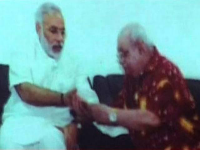 PM Modi's palm read by Bejan Daruwalla