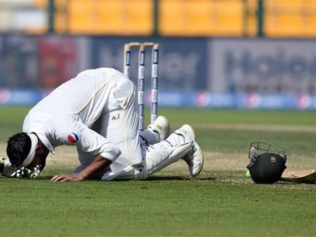 shoaib malik retires from test cricket