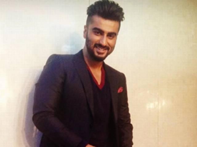 Arjun Kapoor turns shoeshine boy for TV show