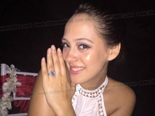 """Yuvraj Singh Just Posted The Most Romantic Message For His """"Friend For Life"""" & Fiance Hazel Keech"""