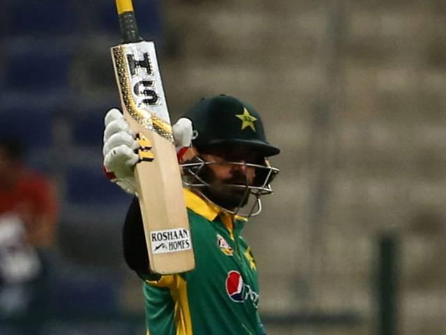 Hafeez refuses lucrative BPL offer due to Aamir's presence