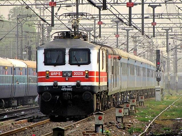 Indian Railways launches e-catering service