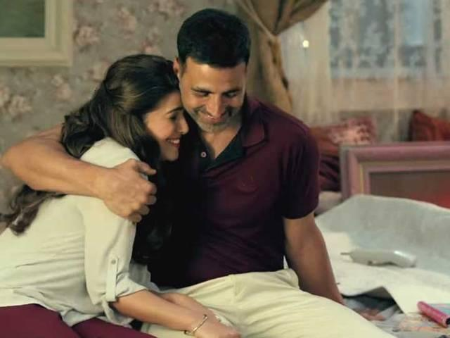 Was intimidated by Akshay in 'Airlift': Nimrat Kaur