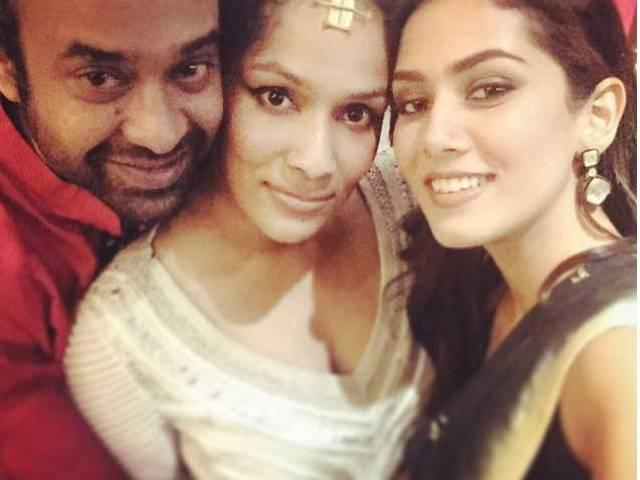After marriage Mira Kapoor flaunts her Tattoo in wedding