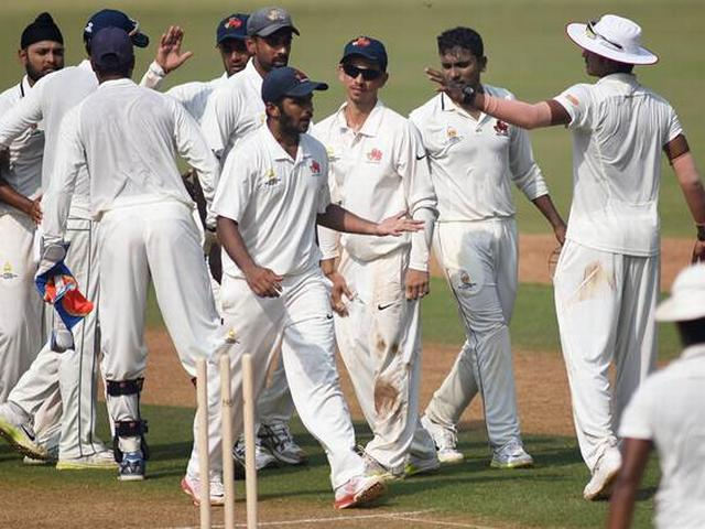Mumbai in quarter-final after record chase