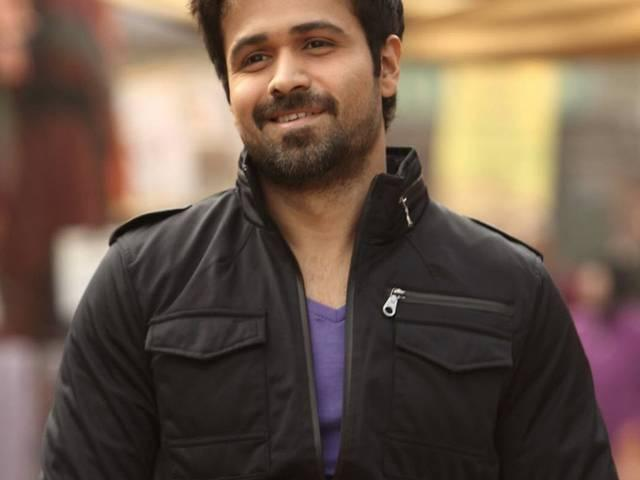 my style of romance is different from shah rukh khan says emraan hashmi