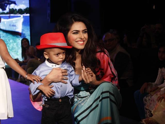 Celebrities participate fund raising fashion show