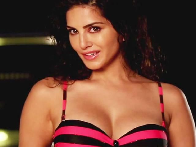 Sunny Leone Woo Tusshar kapoor For One Night Stand