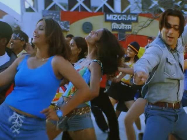 Daisy Shah As A Background Dancer In Salman Khan's Lagan Lagi Song