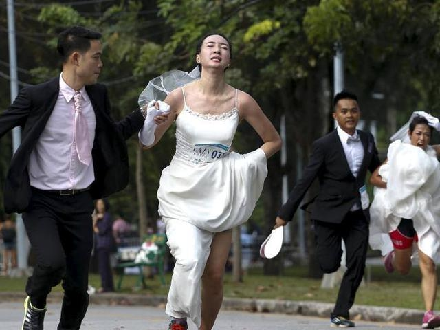 brides-to-be run to win a $28,000 wedding package in thailand