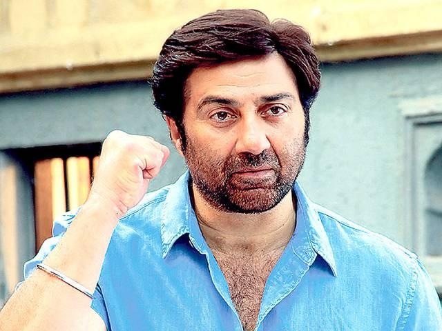 Sunny deol on the set of India's best dramebaaz