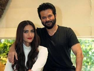 in pics with her father, sonam kapoor looks like anil kapoor's sister rather than her daughter