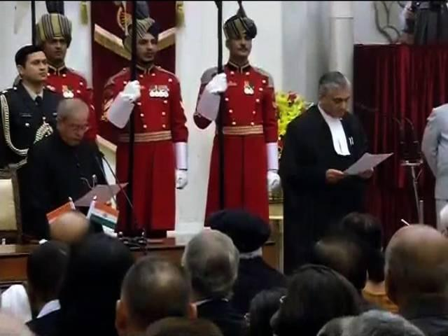 Justice TS Thakur sworn in as Chief Justice of India