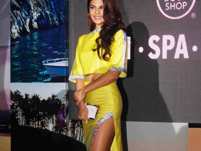 Mumbai: Jacqueline launch The Body Shop's new range of products