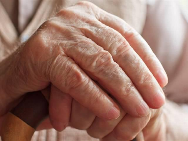 slowed walking in seniors may signal alzheimer's dangerous