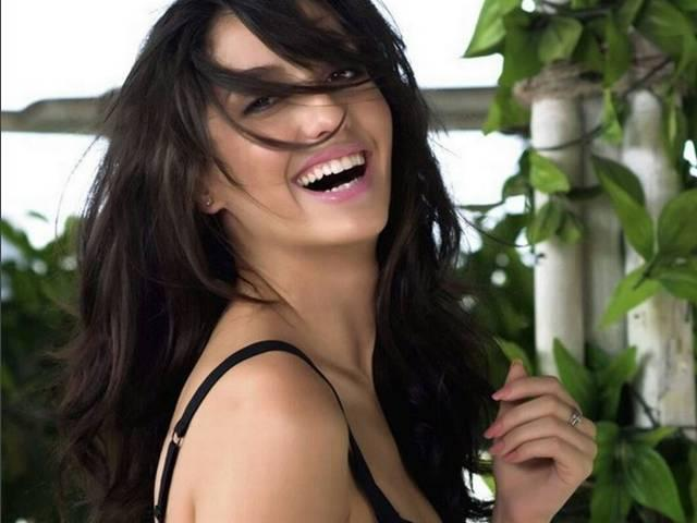 Bigg Boss 9: All You Need To Know About New Wild Card Contestant Nora Fatehi