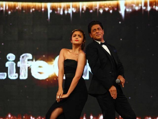 karan johar tweets about the upcoming movie of shahrukh khan and alia bhatts' gallery