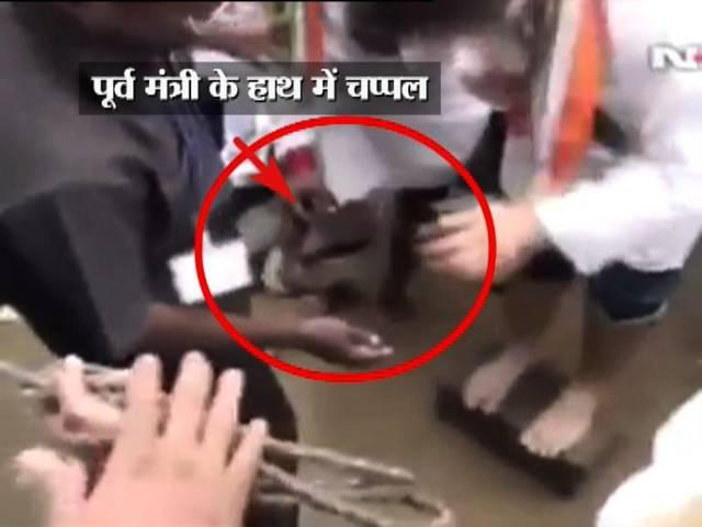 Ex-Union Minister holds slippers for Rahul Gandhi in flooded Puducherry gallery