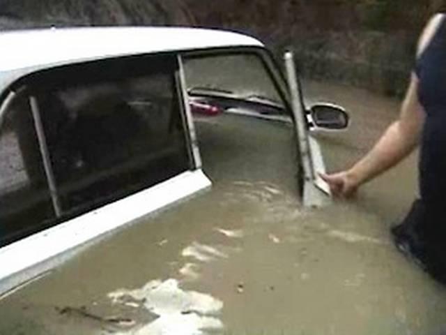 दक्षिणी रूस में बाढ़ का कहर, 141 लोगों की मौत