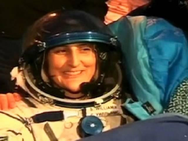 अंतरिक्ष से लौटी धरती पर लौटी सुनीता विलियम्स