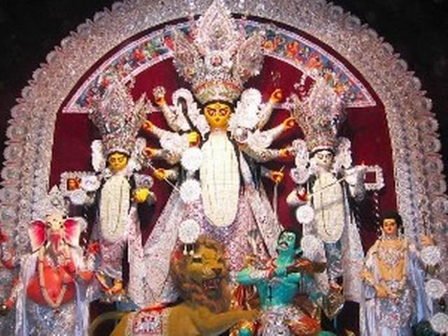 पूजा के दौरान कोलकाता की हवाई निगरानी