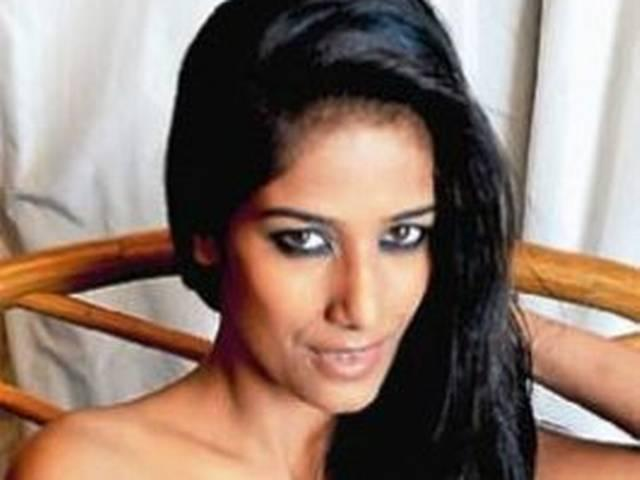 'बिग बॉस 7' के लिए पूनम पांडेय ने मांगे 3 करोड़