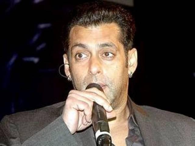 अंतरा माली के बयान पर बिफरे सलमान खान