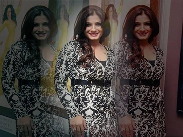 रवीना को गोविंदा की याद दिलाता है शाहिद का गाना