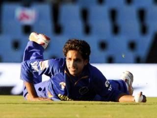 'खेल' से 'खेत' पर लौटे क्रिकेटर कामरान खान