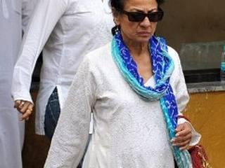 बॉलीवुड ने नम आंखों से दी यश चोपड़ा को अंतिम विदाई
