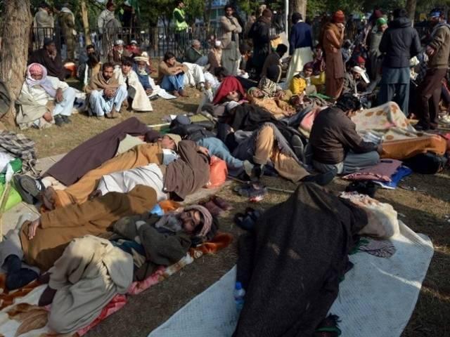 पाकिस्तान के 'अन्ना' की हुंकार से डरी सरकार