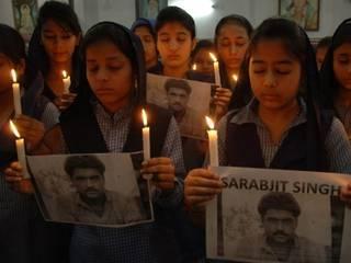 सरबजीत की मौत से देश में शोक की लहर