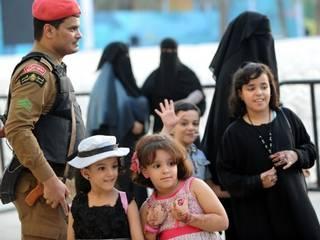 खाड़ी देशों में आज ही मनाई जा रही है ईद