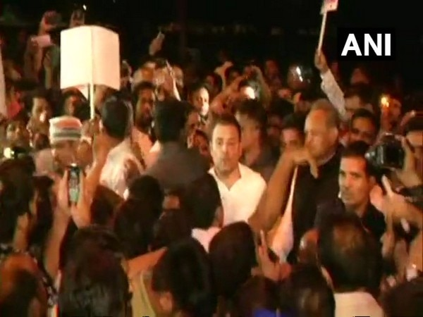 Rahul reaches India Gate to lead midnight march against atrocities on women