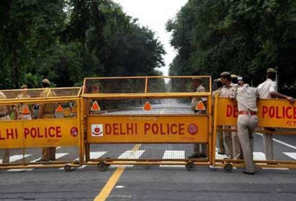 Delhi: Police sent into tizzy after girl cries for help for fun