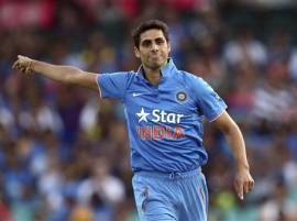 Injury-prone Ashish Nehra staying away from Team India's football sessions