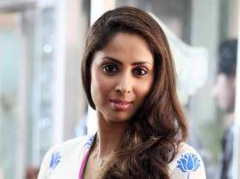 Sangita Ghosh learns swimming for TV show