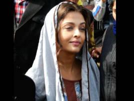 Aishwarya Rai visits Golden Temple for shooting